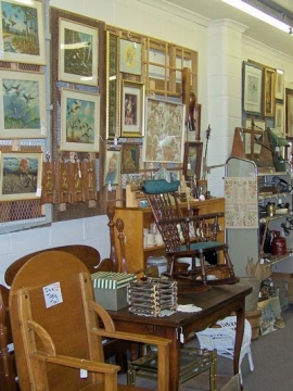 Le'Stuff Antique Mall Vintage Art Gallery